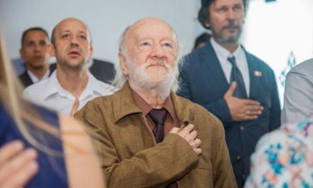 PERUANO DE CORAZÓN | Científico australiano se nacionaliza peruano a los 84 años