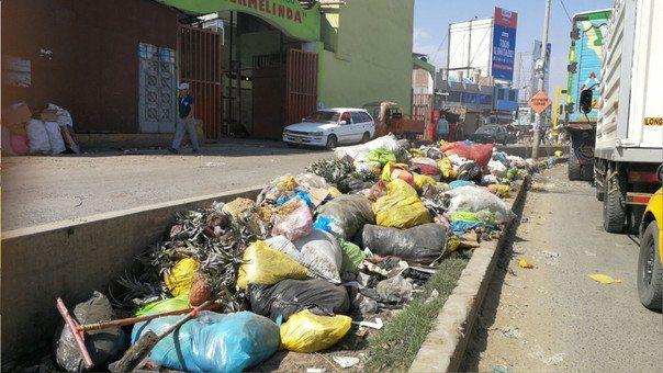 ULTIMÁTUM | Segat da plazo de 8 días a comerciantes de La Hermelinda para que recojan todos sus residuos