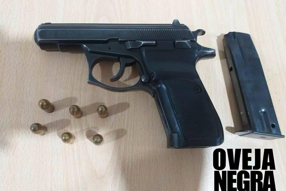 ARMA ROBADA | Hallan pistola de policía que 'marcas' habrían usado para cometer delitos