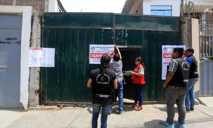 SIN PERMISO | Clausuran peladero de pollos por no tener licencia