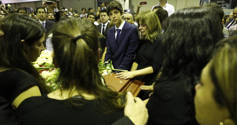 ALAN GARCÍA: UN APRISTA MÁS | Federico Danton se inscribió como militante del Apra sobre el féretro de su padre