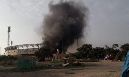 TRUJILLO: QUEDÓ EN CENIZAS | Incendio en almacén de reciclaje afecta excomplejo Chicago (VÍDEO)
