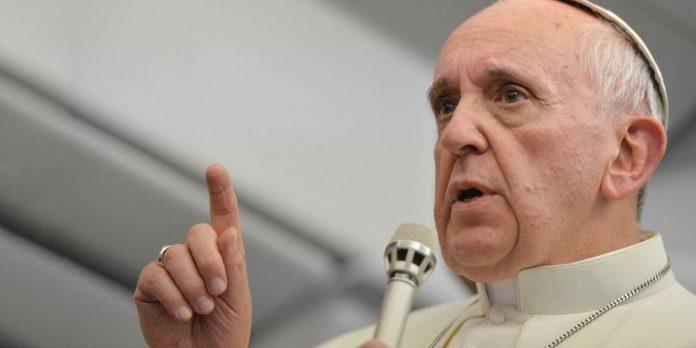 PALABRAS MAYORES | Papa Francisco asegura que quienes rechazan a los homosexuales «no tienen corazón»