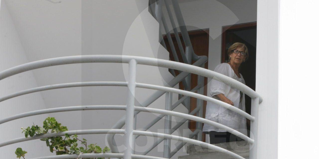 VILLARÁN A LA VISTA | Exalcaldesa de Lima, Susana Villarán, es captada en casa de playa tras declaraciones de Jorge Barata (FOTO)