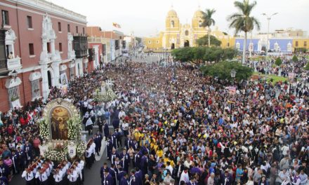 VÍA CRUCIS | Cientos de fieles trujillanos participaron en la celebración religiosa (FOTOS)