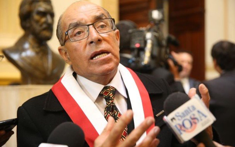SE LE VIENE LA NOCHE | Edwin Donayre se quiebra en llanto en Comisión de Levantamiento de Inmunidad