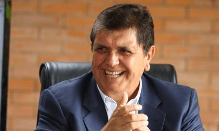 ALAN GARCÍA SIGUE VIVO EN TWITTER | Aparecen tuits sobre declaraciones de Jorge Barata en cuenta oficial de expresidente