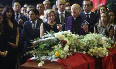 ALAN GARCÍA: CIPRIANI SE HIZO PRESENTE | «Basta de tanta persecución malvada»
