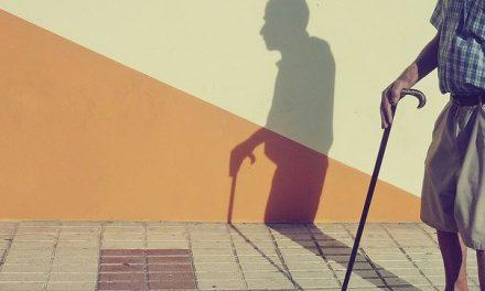 España: ¡INSÓLITO! | Aseguran que ancianos abusan sexualmente de niñas con el supuesto pago por realizar labores domésticas