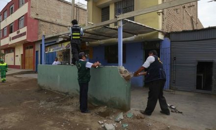 TRUJILLO: BUSCAN EL ORDEN | Retiran escaleras y muros que impedían el libre tránsito