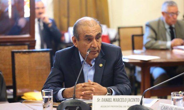 DANIEL MARCELO EN EL CONGRESO   Alcalde de Trujillo expone motivos para que el Ejército salga a las calles