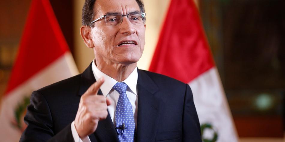 SE CAE, PERO NO TANTO | Martín Vizcarra: 42% de los peruanos respalda su gestión