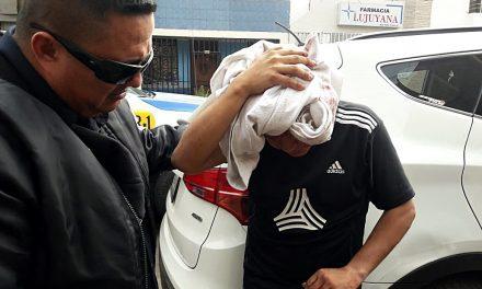 SALIÓ HERIDO | Golpean a hombre por intentar robar autopartes al interior de una cochera