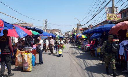 EL CAOS SE MUDA A SINCHI ROCA | Los comerciantes ambulantes que permanecían en la Avenida Eguren, ahora cambiaron de lugar (FOTOS)