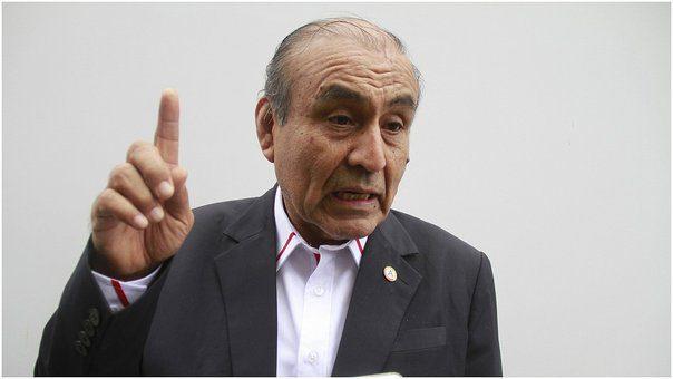 SE LAS CANTA CLARITA | Alcalde Daniel Marcelo tilda de 'aprendices' a equipo técnico de la Contraloría