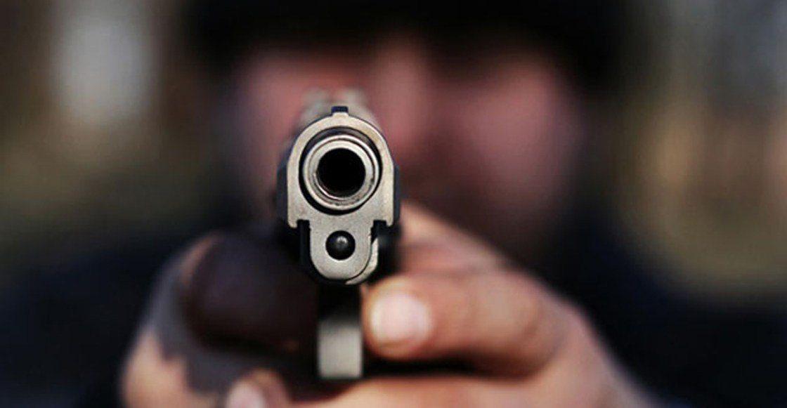 UN DÍA DE FURIA | Hombre ubicó a delincuentes que le robaron su celular en un bus y los asesinó