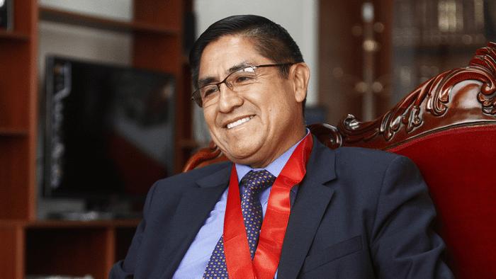 UN HOMBRE CON SUERTE | Subcomisión declara inadmisible denuncia de Pablo Sánchez contra César Hinostroza