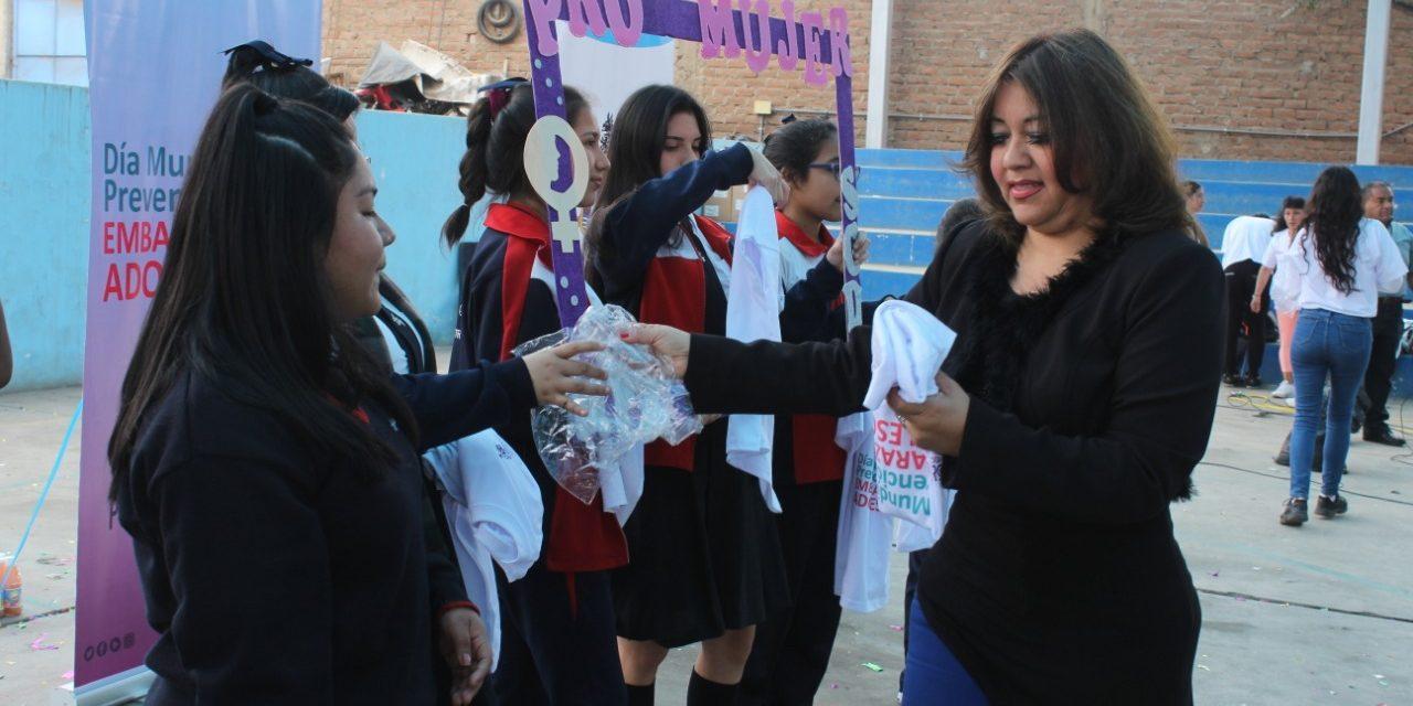 A USAR MEJOR LA CABEZA | Estudiantes reciben charlas sobre embarazo adolescente