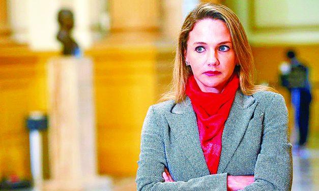 """LA REYNA DE LOS 'TAMALITOS'   Chofer de Luciana León recogía """"tamalitos"""" de dinero de """"Los Intocables Ediles"""""""