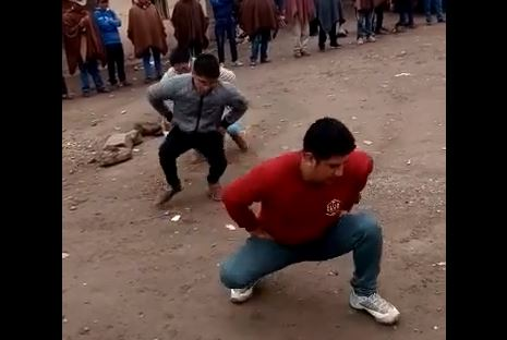 AL RITMO DEL 'PATO' |  Rondas campesinas, autoridades y población paralizan obra en Huaso por irregularidades (VÍDEO)
