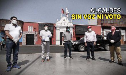 ALCALDES DICEN QUE SON EXCLUIDOS POR EL GORE LA LIBERTAD | Envían carta a Llempén, bajo la puerta de Casa de Gobierno