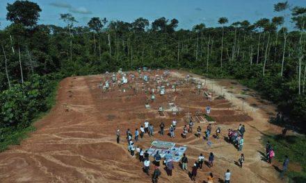 Centenares de fallecidos por COVID-19 fueron enterrados en secreto en una fosa común clandestina de Iquitos