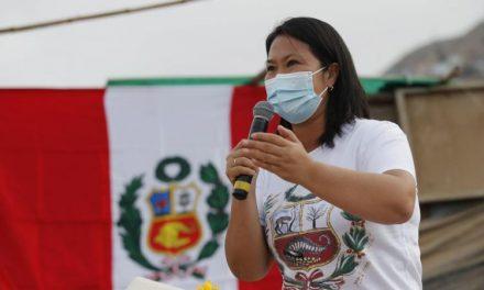 Keiko Fujimori plantea condonar papeletas a taxistas y reorganizar Sutran