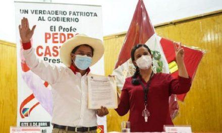 Elecciones 2021: Pedro Castillo firmó compromiso y se desdice de lo que ofrece