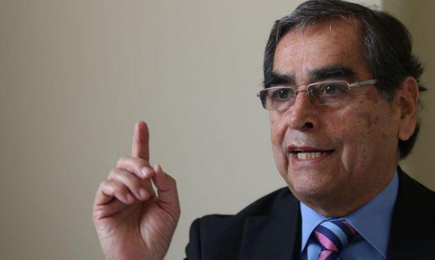 Frepap pide citar a ministro Óscar Ugarte a Comisión de Salud por casos de jeringas vacías