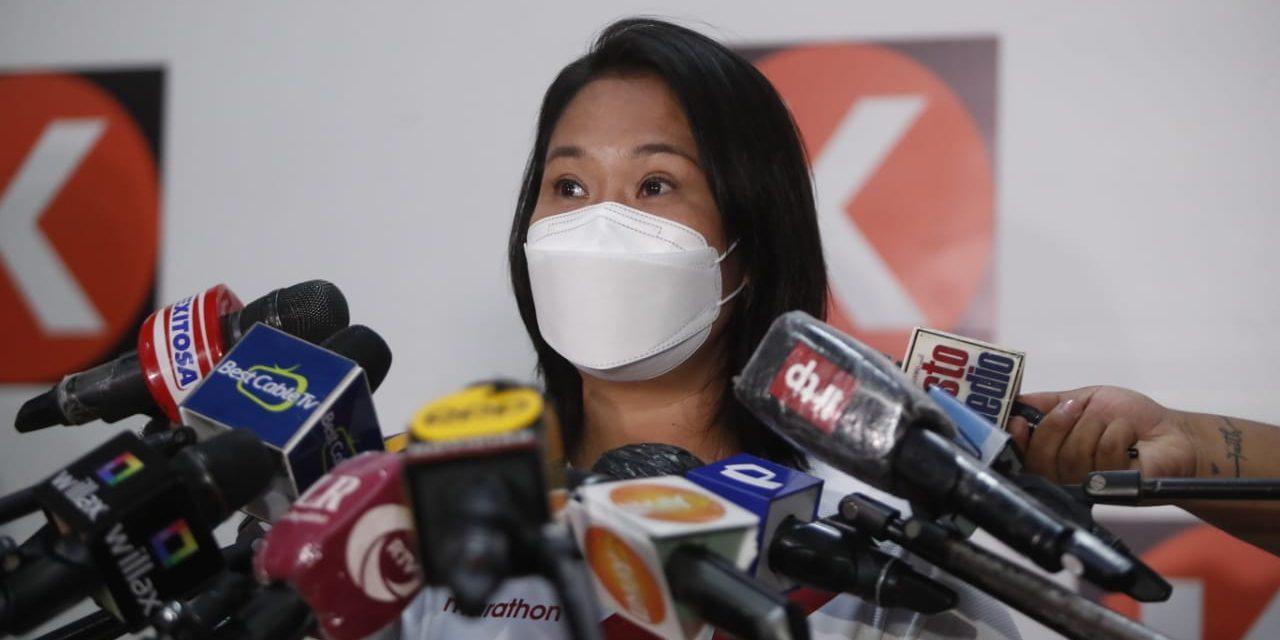 Keiko Fujimori plantea cinco temas para debatir con Castillo, en  exteriores del penal de Chorrillos