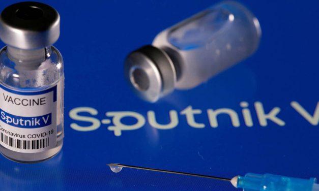 COVID-19: creadores de vacuna rusa Sputnik V demandarán a regulador brasileño por difamación