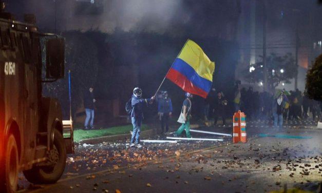 Colombia: al menos 19 muertos y 800 heridos por la represión de protestas contra la reforma tributaria