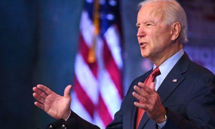 Biden cree que EE.UU. puede producir 1,000 millones de dosis más para compartir