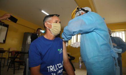 Trujillo: trabajadores del Segat reciben primera dosis contra la COVID-19
