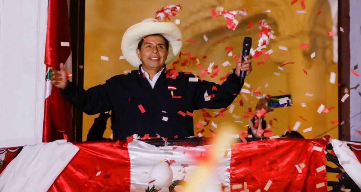 ONPE al 100%: Pedro Castillo 50.198% y Keiko Fujimori 49.802%