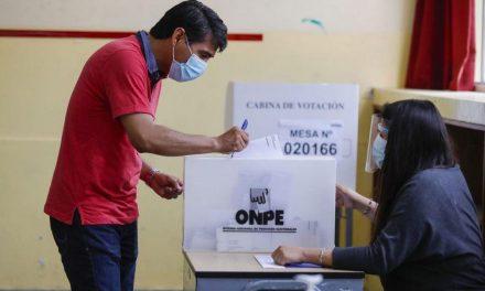 JNE: piden a electores dejar sus celulares en mesa de votación antes de entrar a la cámara secreta