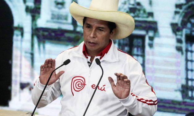 """Pedro Castillo tras flash electoral: """"llamo a la cordura, lo que hemos escuchado no es nada oficial"""""""