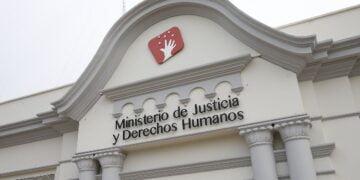 FOTOS DE LA FACHADA DEL MINISTERIO DE JUSTICIA Y DERECHOS HUMANOS.